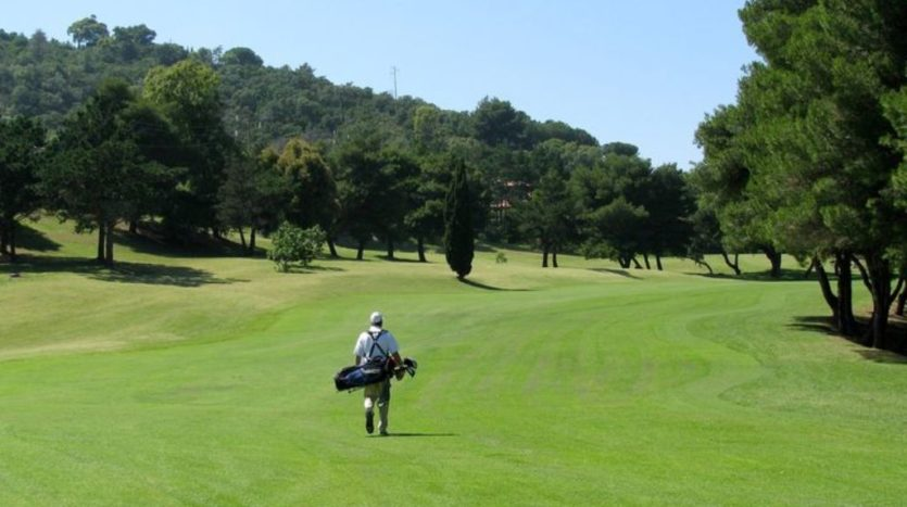Nemus Genius Loci: campo da golf con giocatore
